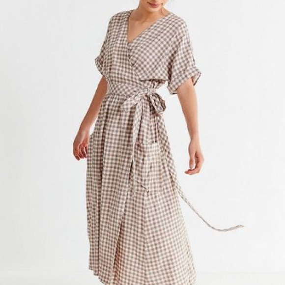 Urban Outfitters Dresses & Skirts - Urban outfitters gingham dress